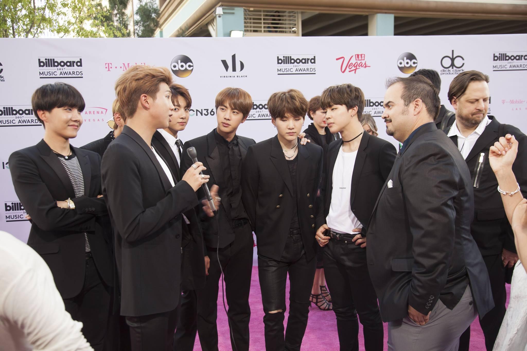 DLXVRSN-Media-Billboard-Music-Awards3